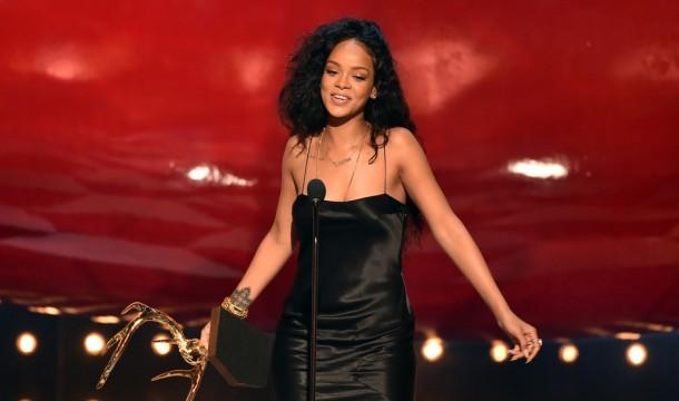 Rihanna-Guys-Choice-9